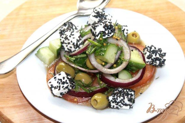 фото рецепта: Овощной салат с зеленью и фетой