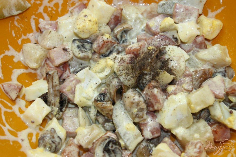Салат с шампиньонами и сухариками рецепт