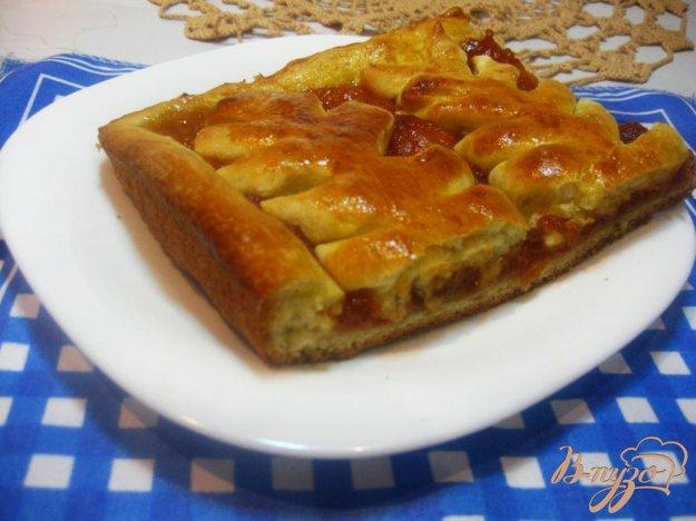 фото рецепта: Пирог с абрикосовым вареньем на дрожжевом тесте
