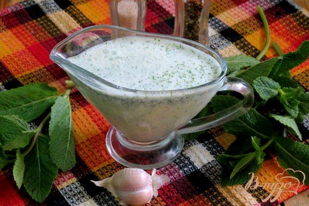 фото рецепта: Соус из мяты и кефира
