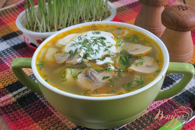 фото рецепта: Суп с крапивой и грибами