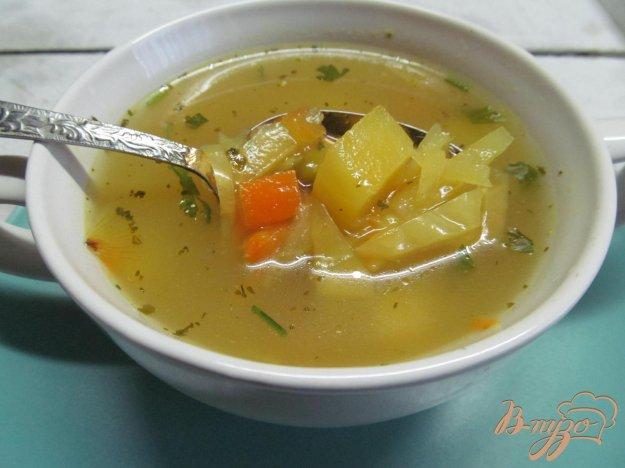 фото рецепта: Щи с консервированным горошком и свежей капустой