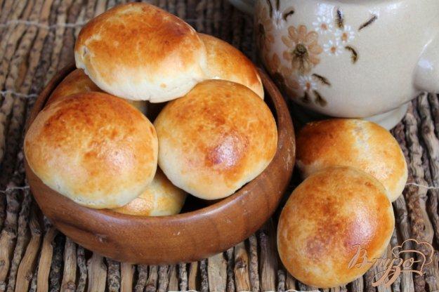 фото рецепта: Дрожжевые пирожки с абрикосом