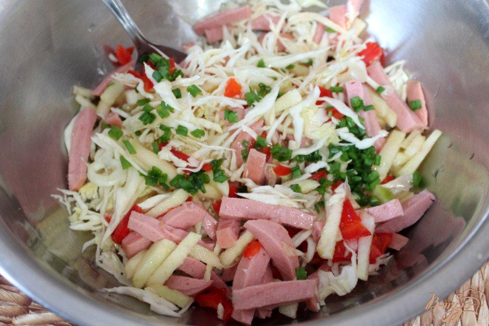 салат помидоры капуста колбаса