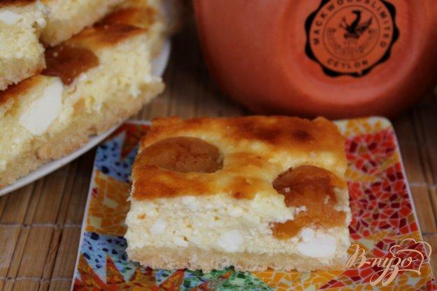 фото рецепта: Творожный пирог с абрикосом