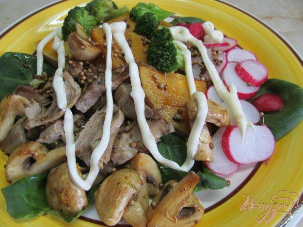 фото рецепта: Салат из редиса с тыквой