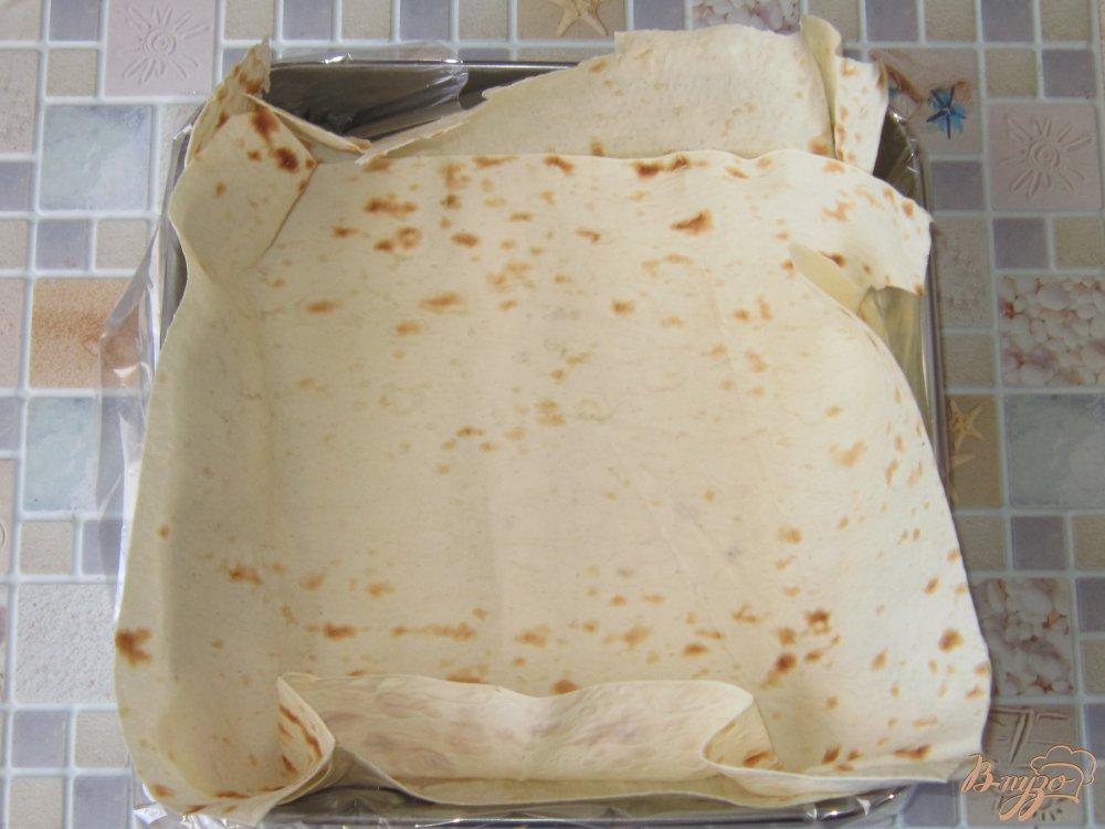 Фото приготовление рецепта: Запеканка в лаваше с фаршем шаг №6
