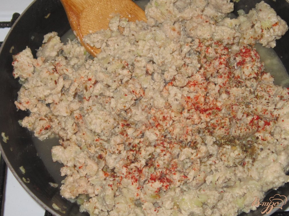Фото приготовление рецепта: Запеканка в лаваше с фаршем шаг №4
