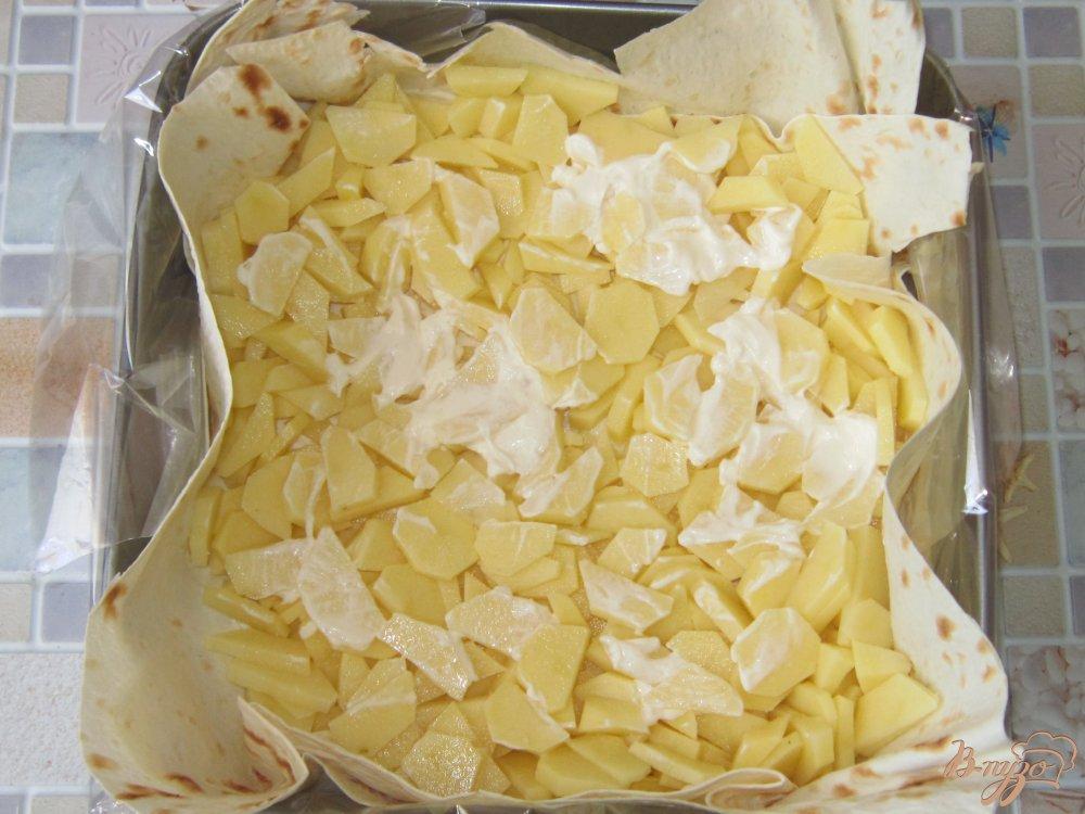 Фото приготовление рецепта: Запеканка в лаваше с фаршем шаг №7