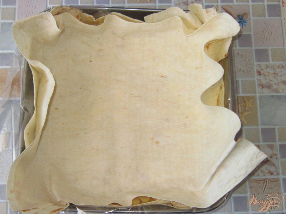 Фото приготовление рецепта: Запеканка в лаваше с фаршем шаг №8