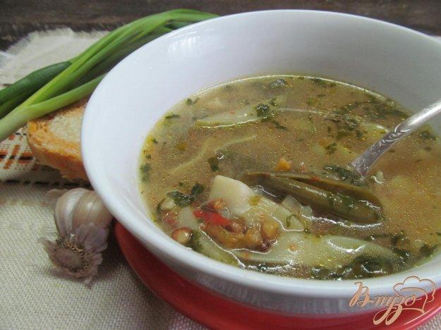 фото рецепта: Итальянский суп с чечевицей и яичной лапшой