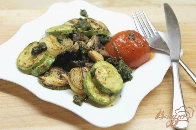 фото рецепта: Овощи гриль с соусом Песто