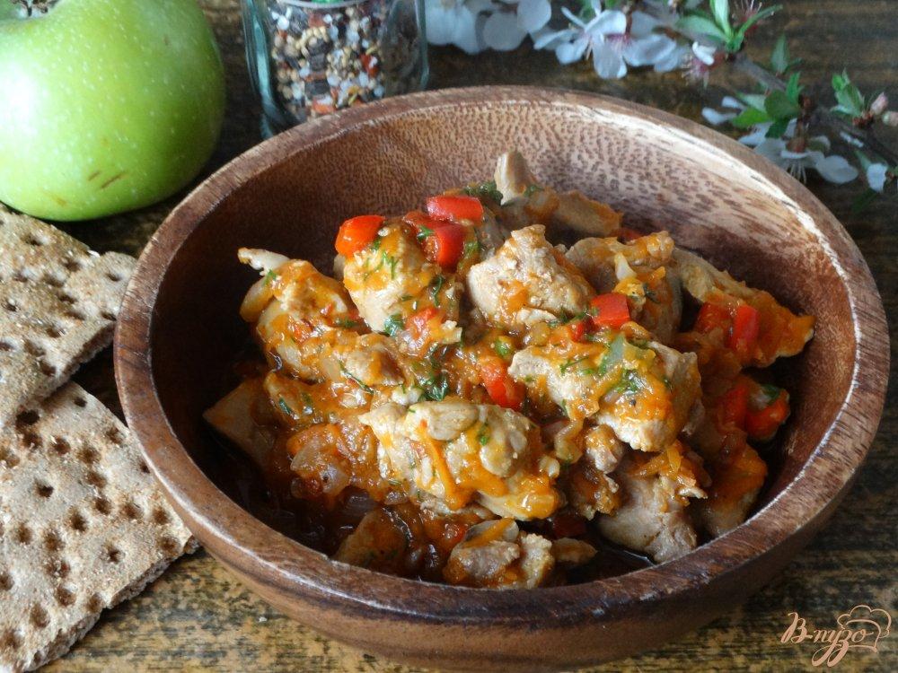 Фото приготовление рецепта: Гуляш из индейки шаг №6