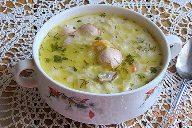 фото рецепта: Суп с вешенками, сырками и савойской капустой