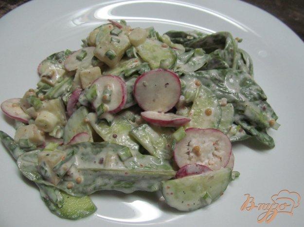 фото рецепта: Картофельный салат с сельдереем редисом и огурцом