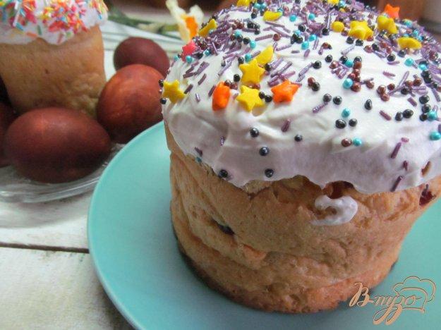 фото рецепта: Кулич на молоке с апельсином курагой и вишней