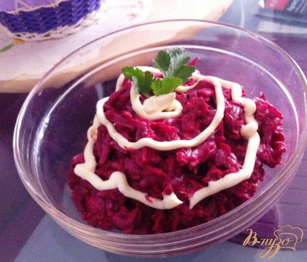 фото рецепта: Простой салат из свеклы