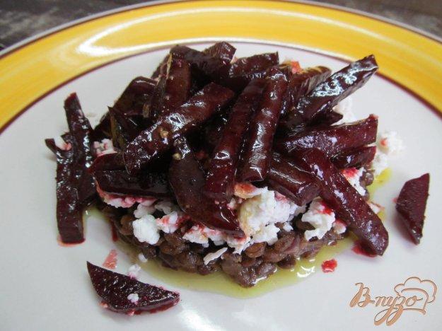 фото рецепта: Салат с чечевицей и свеклой