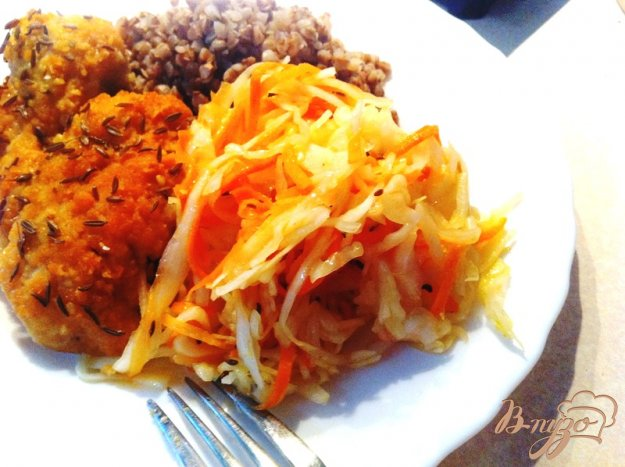 фото рецепта: Салат из свежей капусты с тмином