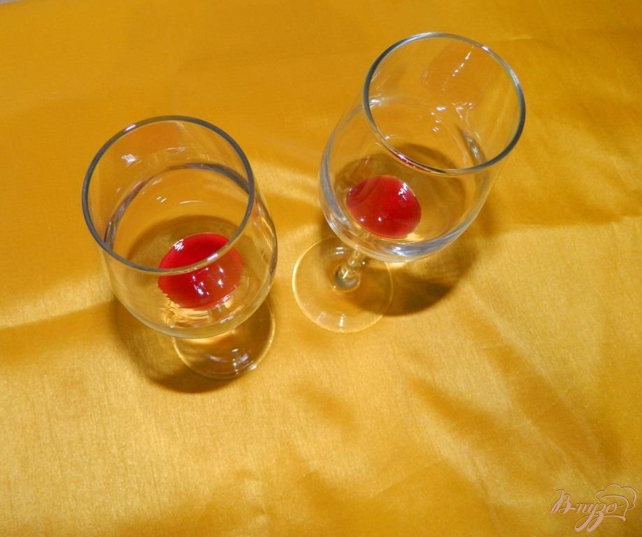 Апельсиновый коктейль с шампанским - пошаговый рецепт с фото: https://vpuzo.com/napitki/alkogolnye-kokteili/45789-apelsinovyy-kokteyl-s-shampanskim.html