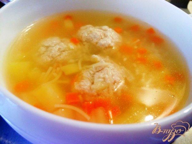 фото рецепта: Суп с фрикадельками и вермишелью для деток
