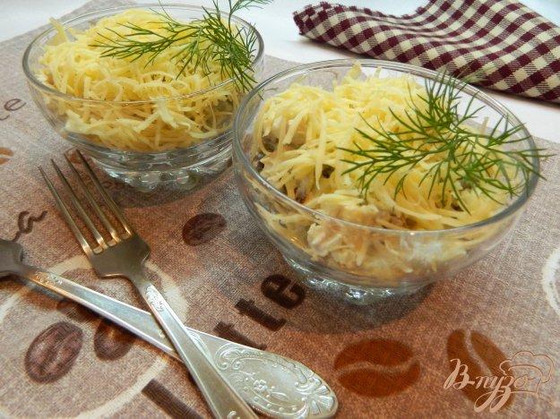 фото рецепта: Салат из куриного филе, грибов и сыра