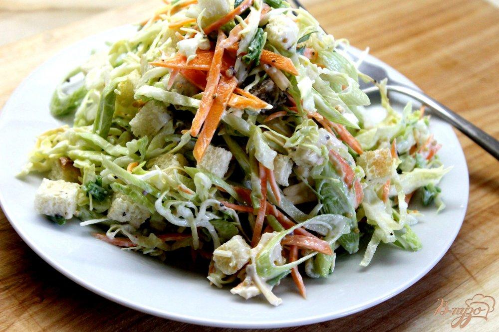 Салат с сухариками и капустой и сыр рецепт