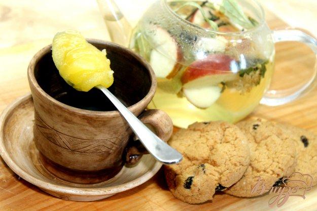 фото рецепта: Лимонно - имбирный час с липой и мятой
