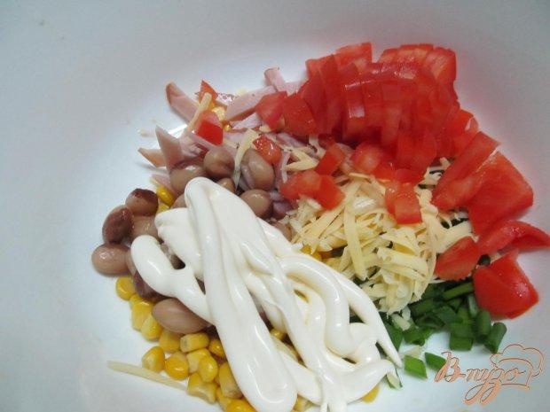 Салат фасоль и ветчина сыр