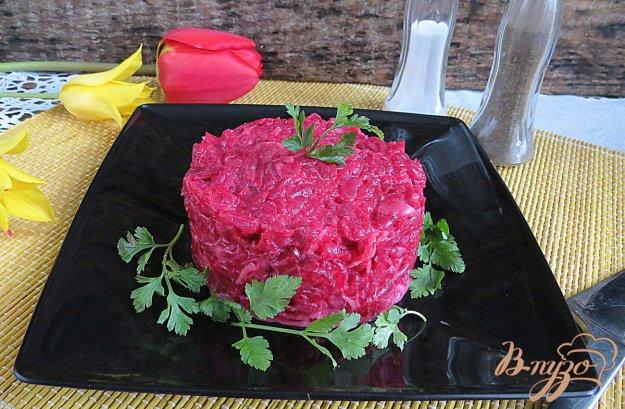фото рецепта: Салат со свеклой и маринованным имбирём