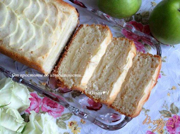 фото рецепта: Яблочный манный пирог