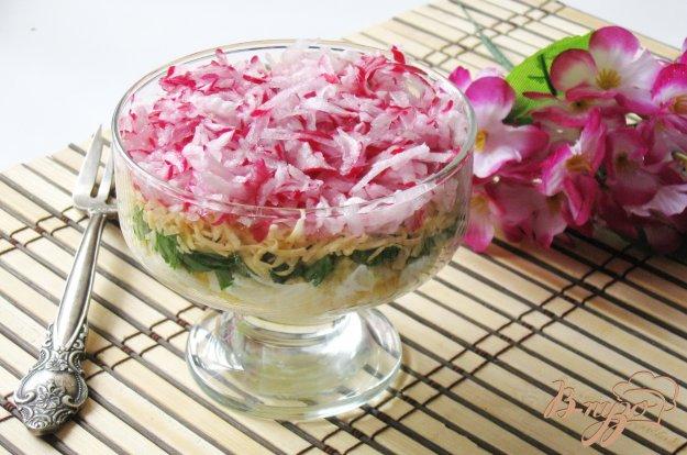 фото рецепта: Салат с редисом и сыром