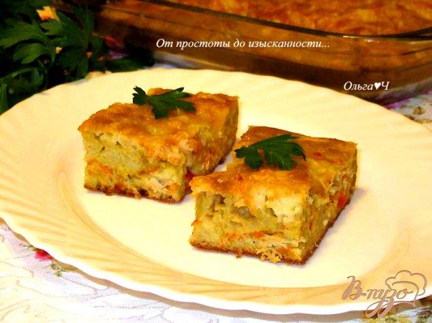 фото рецепта: Заливной пирог с курицей и морковью