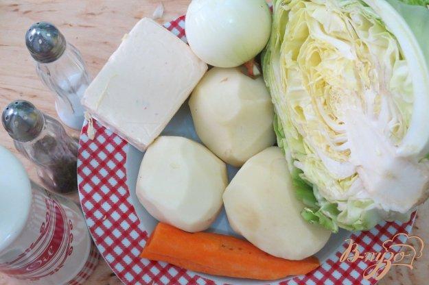 фото рецепта: Суп с плавлеными сырками и молодой капустой