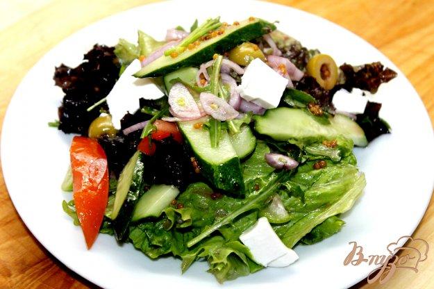 фото рецепта: Греческий салат с луком - шалот