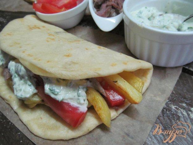 фото рецепта: Греческий гирос с соусом