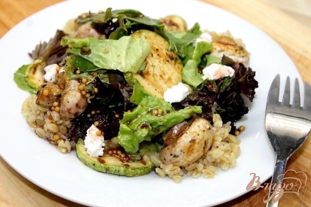 фото рецепта: Теплый салат с булгуром и овощами гриль