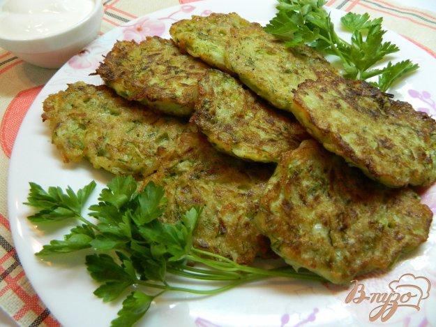 фото рецепта: Картофельные оладьи с кабачком