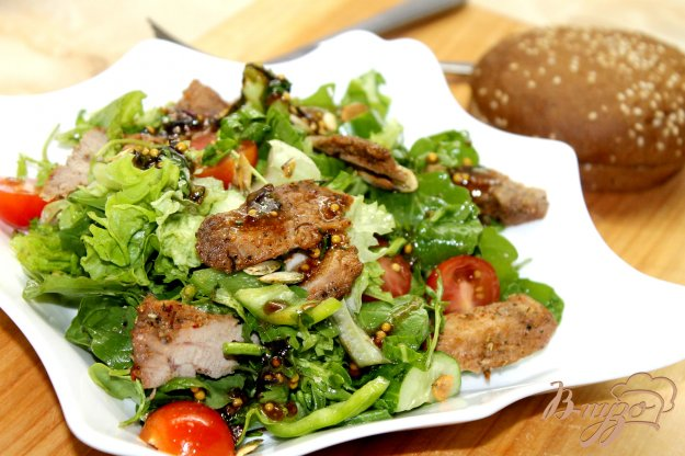 фото рецепта: Салат с утиной грудкой и свежими овощами