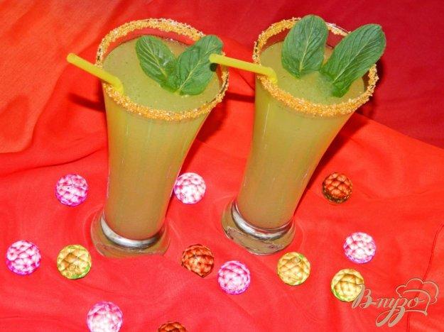 фото рецепта: Коктейль с мятой и лимоном