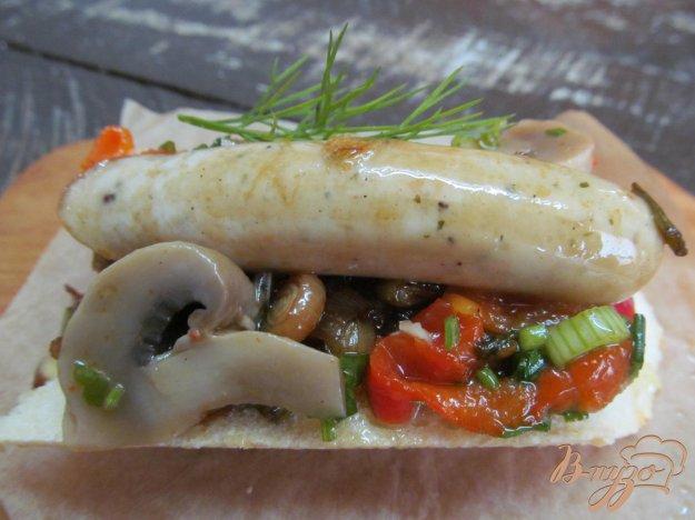 фото рецепта: Ход-дог с карамелизированным луком