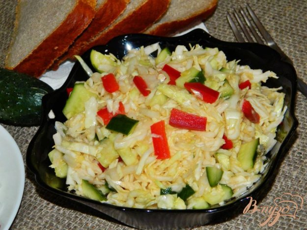 фото рецепта: Салат из свежей капусты с болгарским перцем