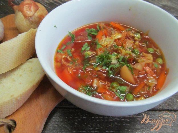 фото рецепта: Борщ из молодых овощей с черной фасолью и горошком