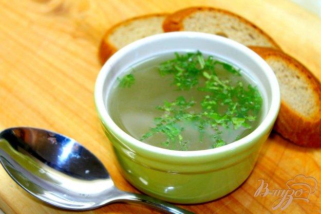 фото рецепта: Рыбный бульон из щуки с кинзой