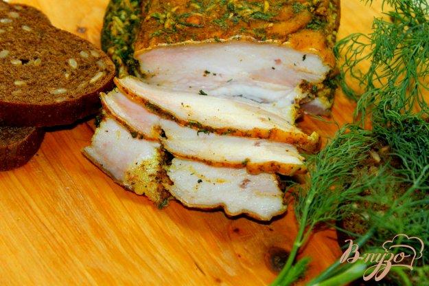 фото рецепта: Сало с прорезью в специях и зелени