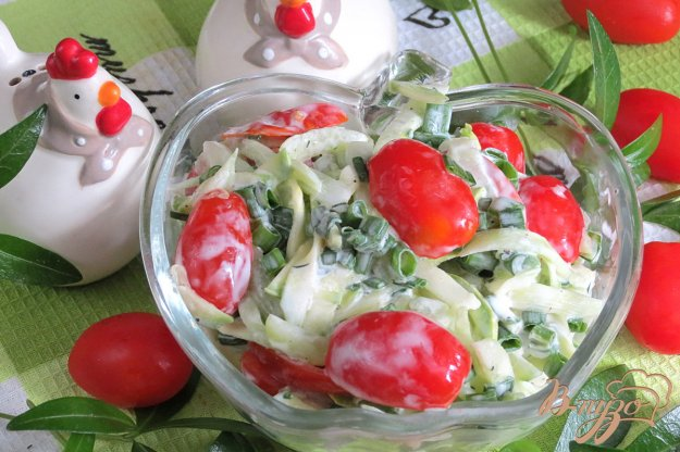 фото рецепта: Салат из кабачков, огурцов и помидоров