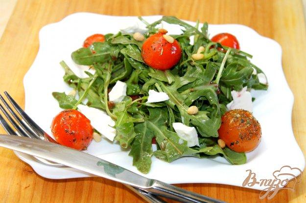 фото рецепта: Томатный салат с жареными черри и фетой