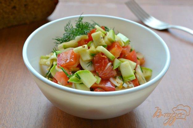фото рецепта: Салат из помидоров и кабачков с соевым соусом