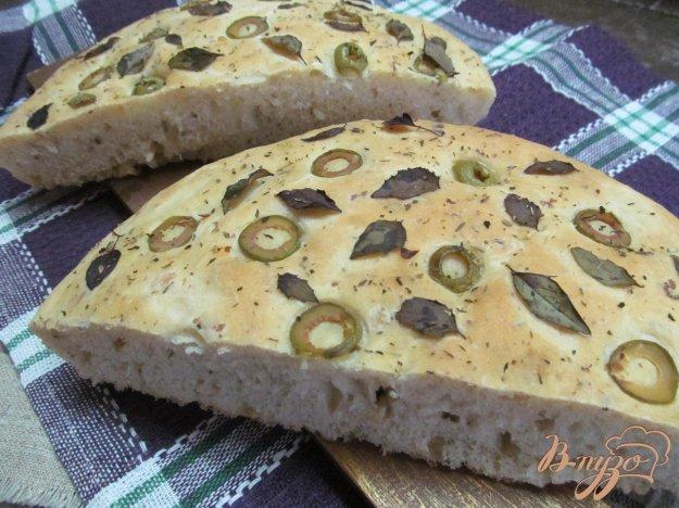 фото рецепта: Фокачча с сыром и оливками