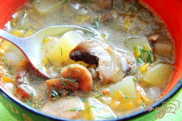 фото рецепта: Постный грибной суп с гречкой в мультиварке